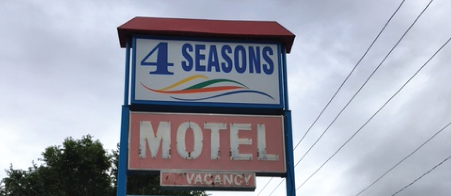 4 Seasons Sign